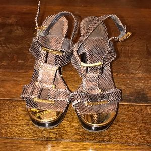Tory Burch Brown Croc Heels sz 7.5